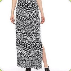 Maxi Skirt With Knee High Slit